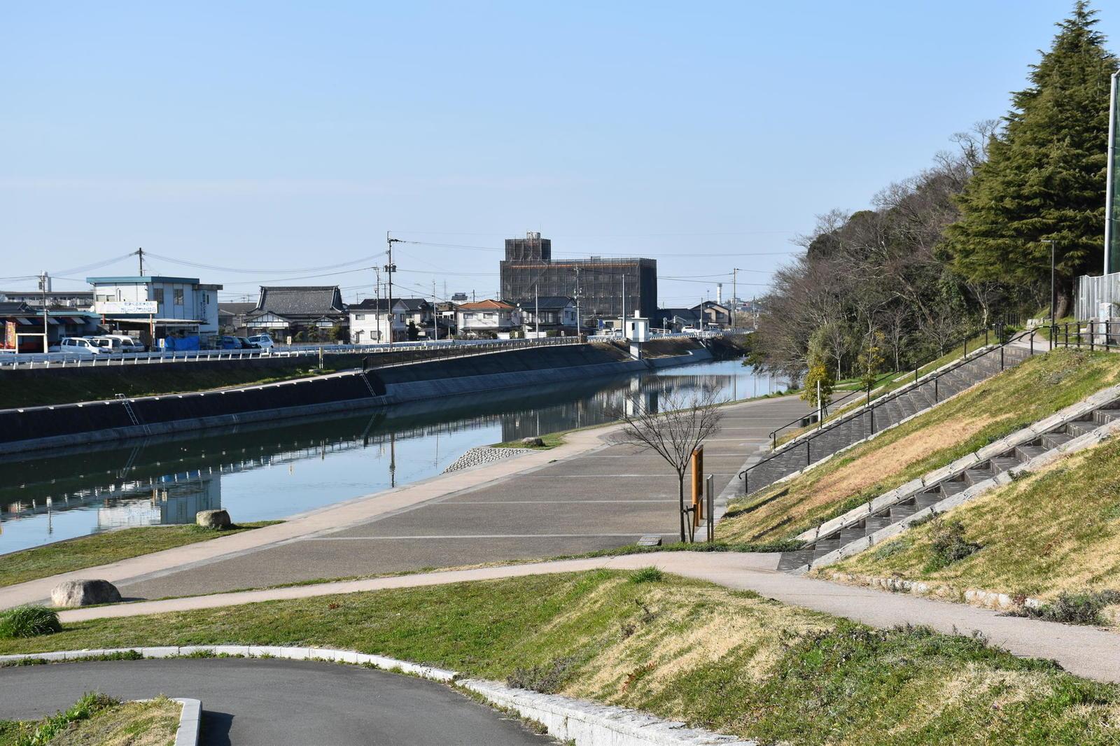 中元寺川水辺公園